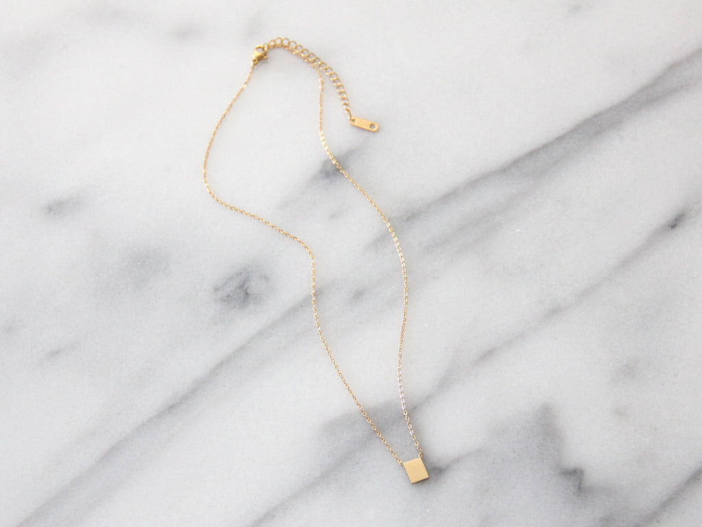 MAIVE - RECTANGLE NECKLACE