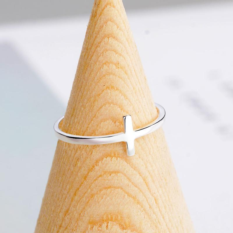 Vonachi™ 1 Word Ring