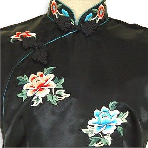 Peony Beauty Cheongsam (Close-up)