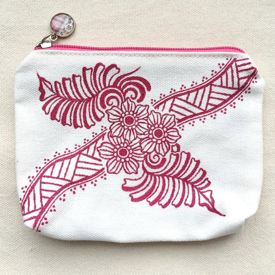 Henna Art Zipper Pouch (White & Red 1)
