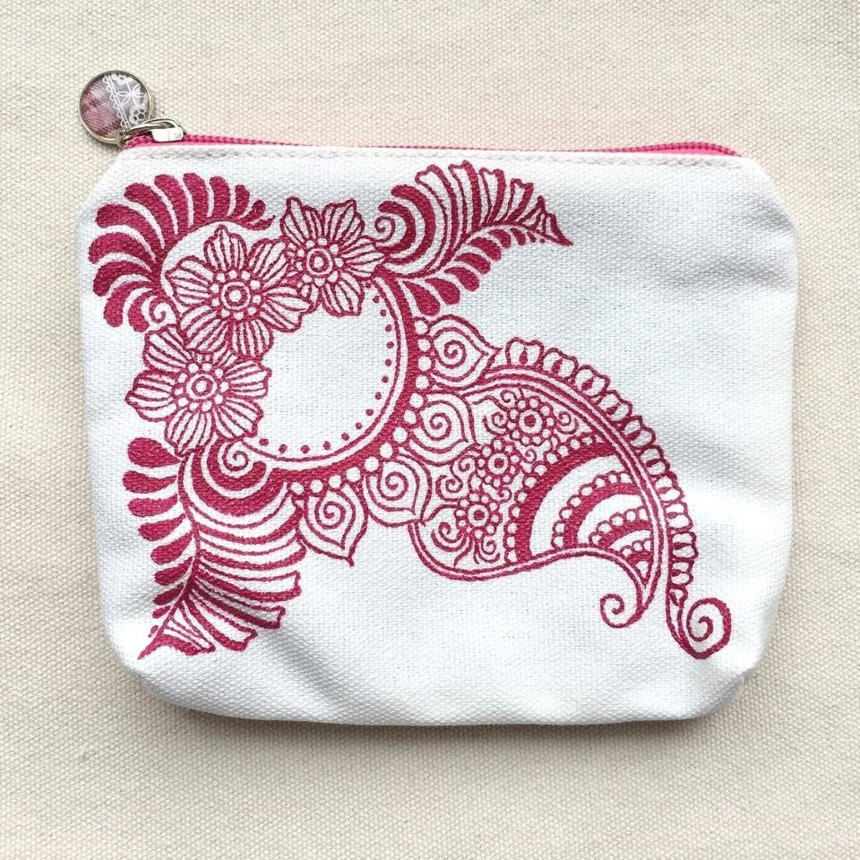 Henna Art Zipper Pouch (White & Red 2)