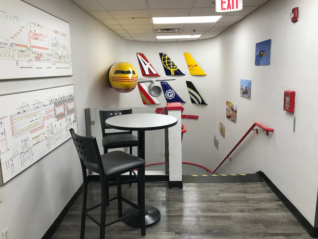 DHL Themed Room