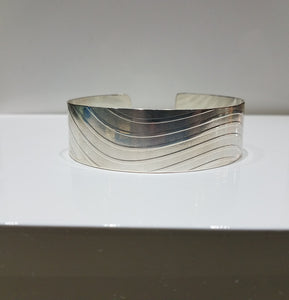"""WISPING WINDS"" Ladies .925 Solid Sterling Silver Handmade Flat Cuff Bracelet"