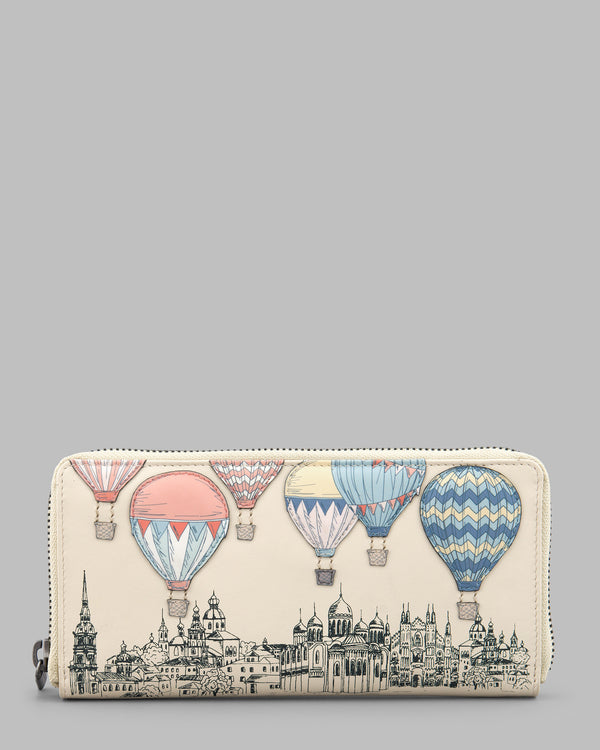 Amongst the Clouds Cream Leather Zip Round Purse A