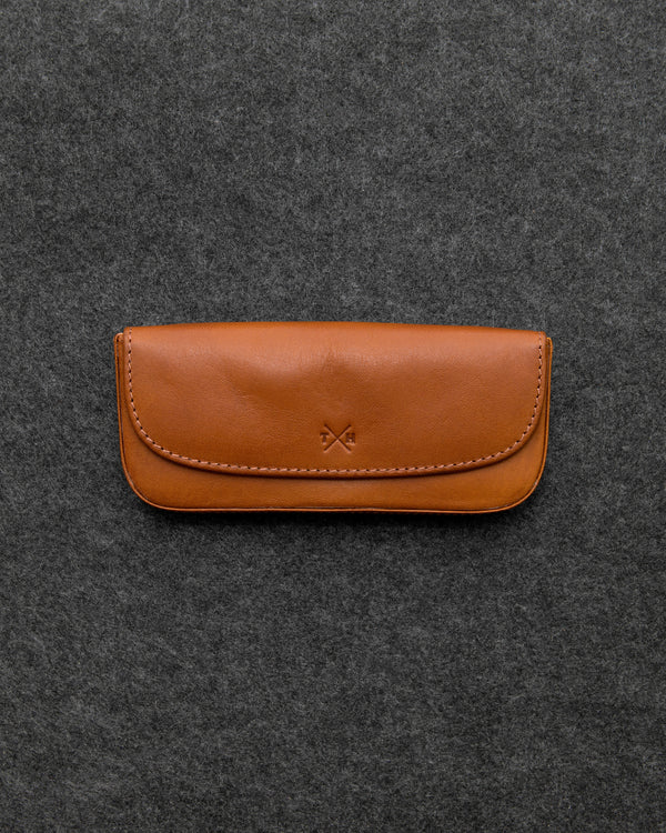 Tumble and Hide Tudor Leather Glasses Case Tan a