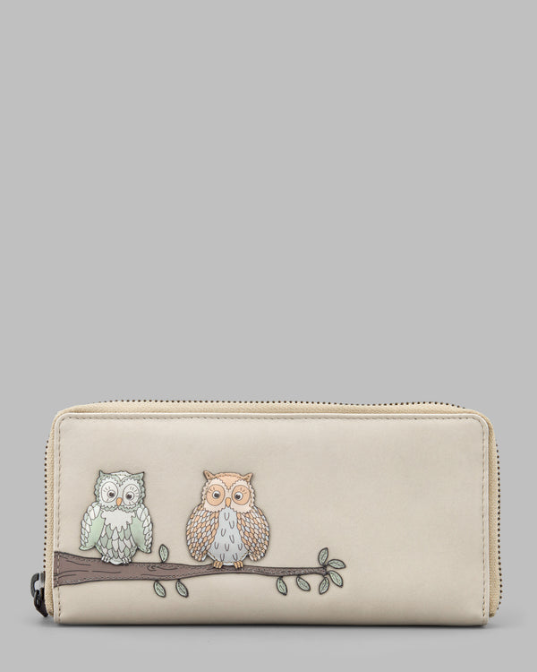 Twit Twoo Cream Leather Zip Round Purse a