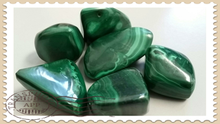 Malachite Tumbled various sizes