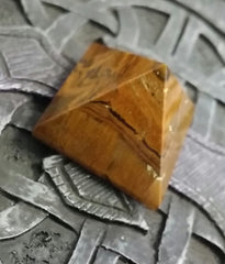 Pyramid- Tiger Eye 20~25mm