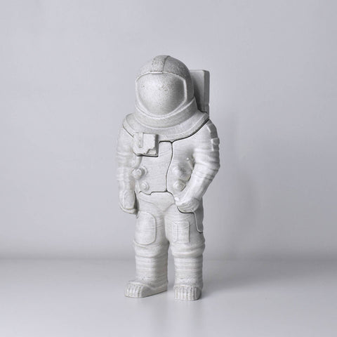 Astronaut puzzle with 5 pieces, gift for adult space lovers.