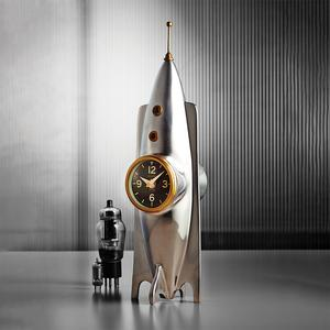 Rocket clock by Pendulux. What to buy a space lover? This space clock!