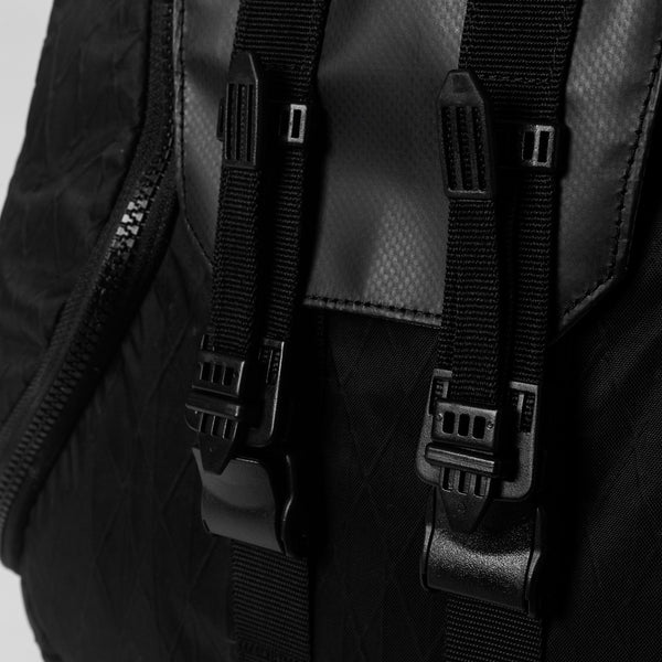 "LIVINGBONE x ORBITGEAR ""NOT SS/AW"" DIVERSE ZIP BACKPACK [X-PAC]"