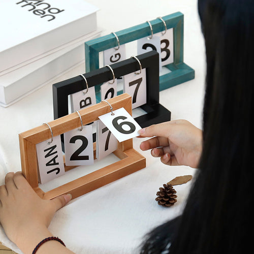 Office Wooden Vintage Calendar