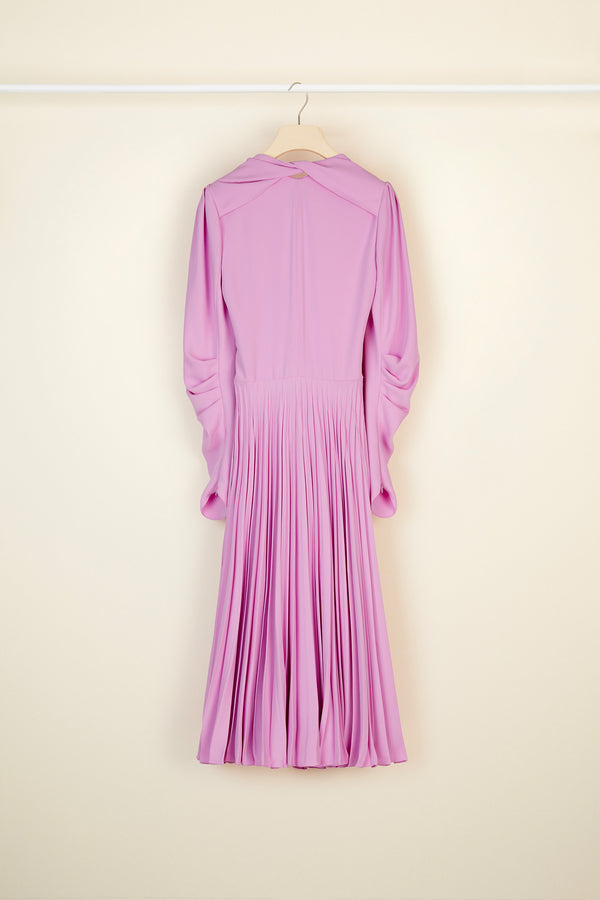 Twisted collar pleated dress