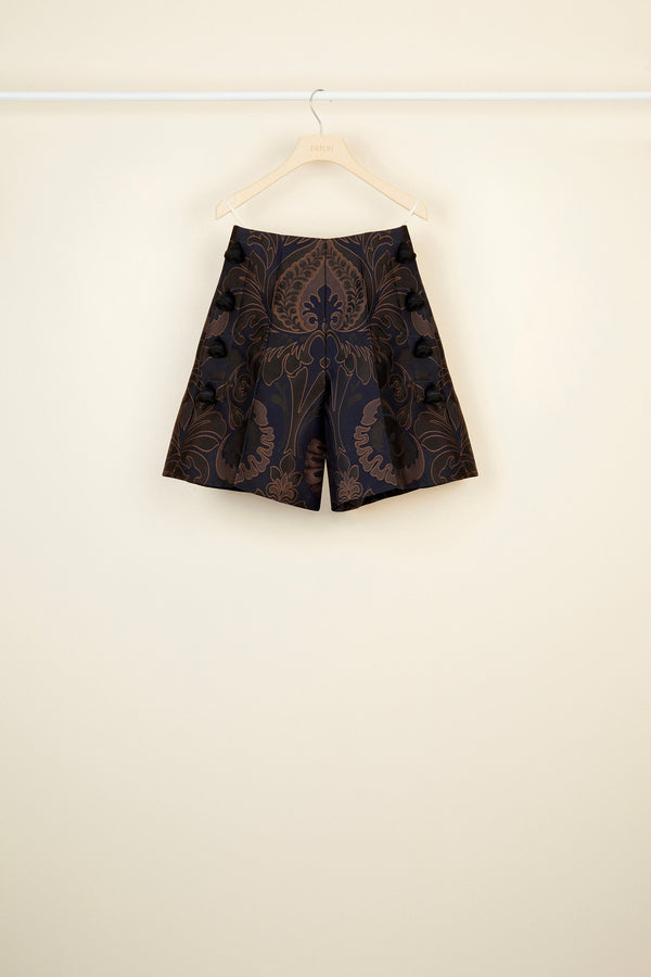 Image 3 of 4 - High-waisted virgin wool shorts