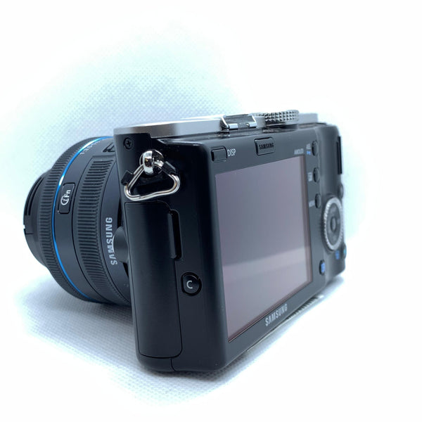Samsung NX100 14mp + flash