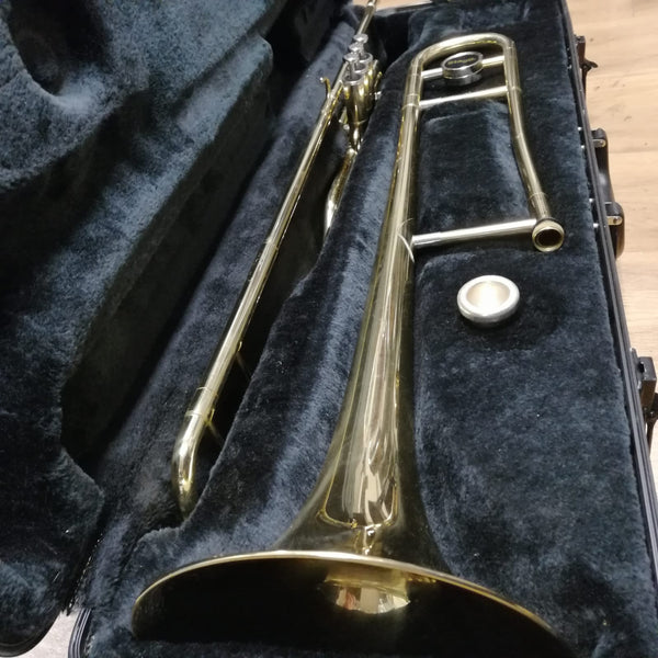 Instruments Trombone à piston stagg + etui