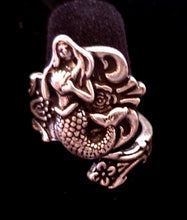 Load image into Gallery viewer, Adjustable Mermaid Ring