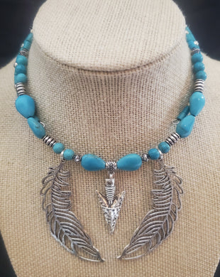 Memory Wire Turquoise Colored Choker Necklace With Arrowhead and Feathers