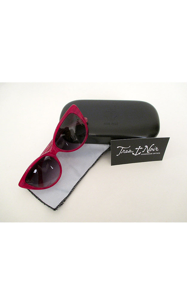 1950's Cat Eye Sunglasses---  Strawberry