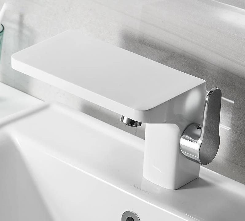 Portia - Porcelain Faucet with Mini Shelf - MODERNY
