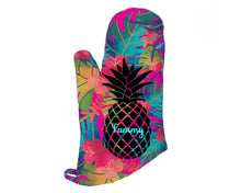Load image into Gallery viewer, Pineapple Oven Mitt Pot Holder Gift Set Personalized Oven Mitts Gifts for Mom Decor Dining Housewarming Hostess Gift Custom Kitchen Set