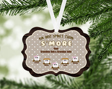 Load image into Gallery viewer, Smores Personalized Christmas Ornament, Family Gift, Custom Ornament, Name Ornament, Grandparents Gift, Grandma, Christmas, Holiday Gift