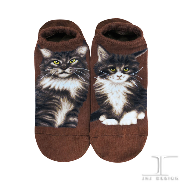 Cat Ankles - Maine Coon Brown