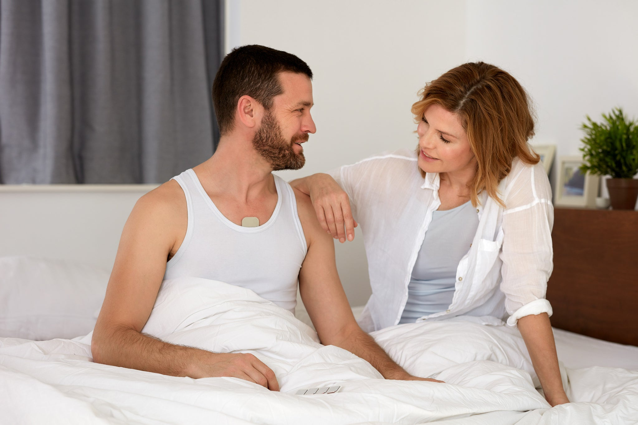 Couple having Left Reflux Wearable Device
