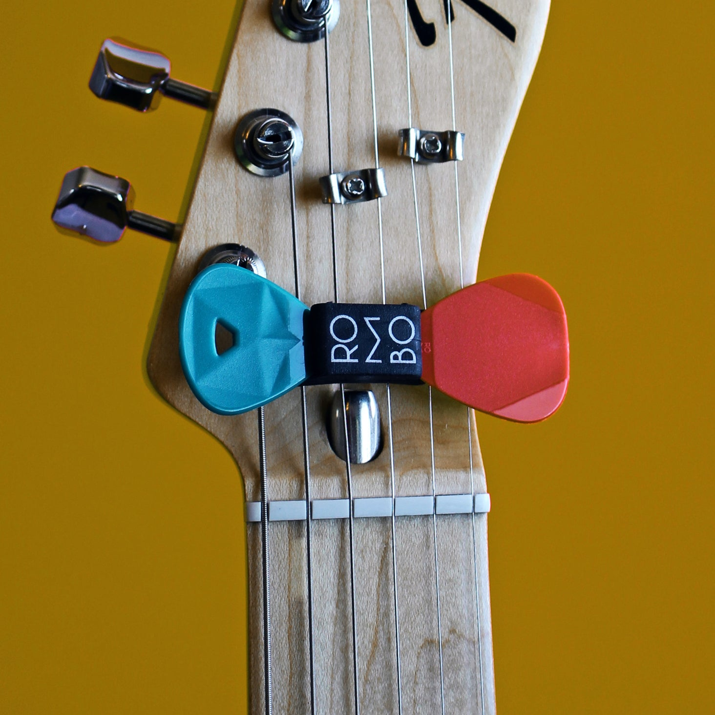 Guitar Pick Holder Rombo - plectrum
