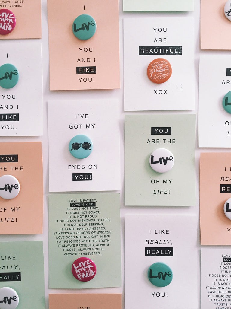 Free Printable Valentine's Day Button Bling Cards!