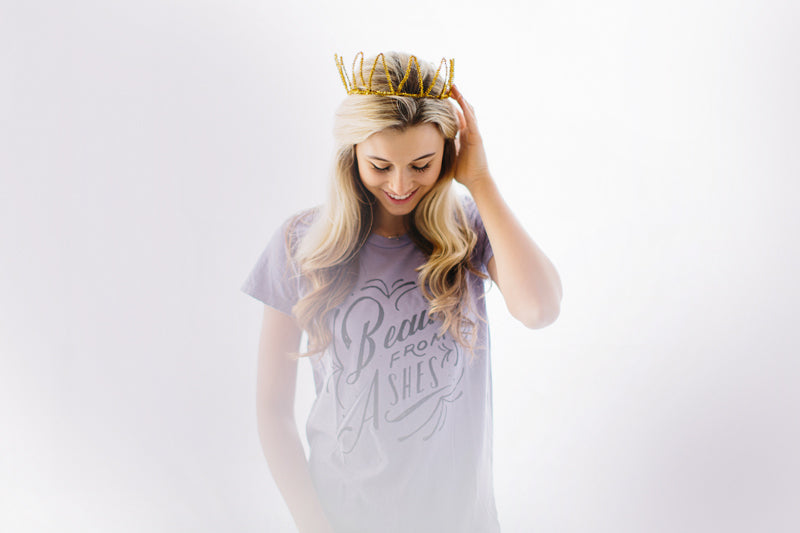 Distressed t-shirt for effortless style / Beauty From Ashes via walk in love.