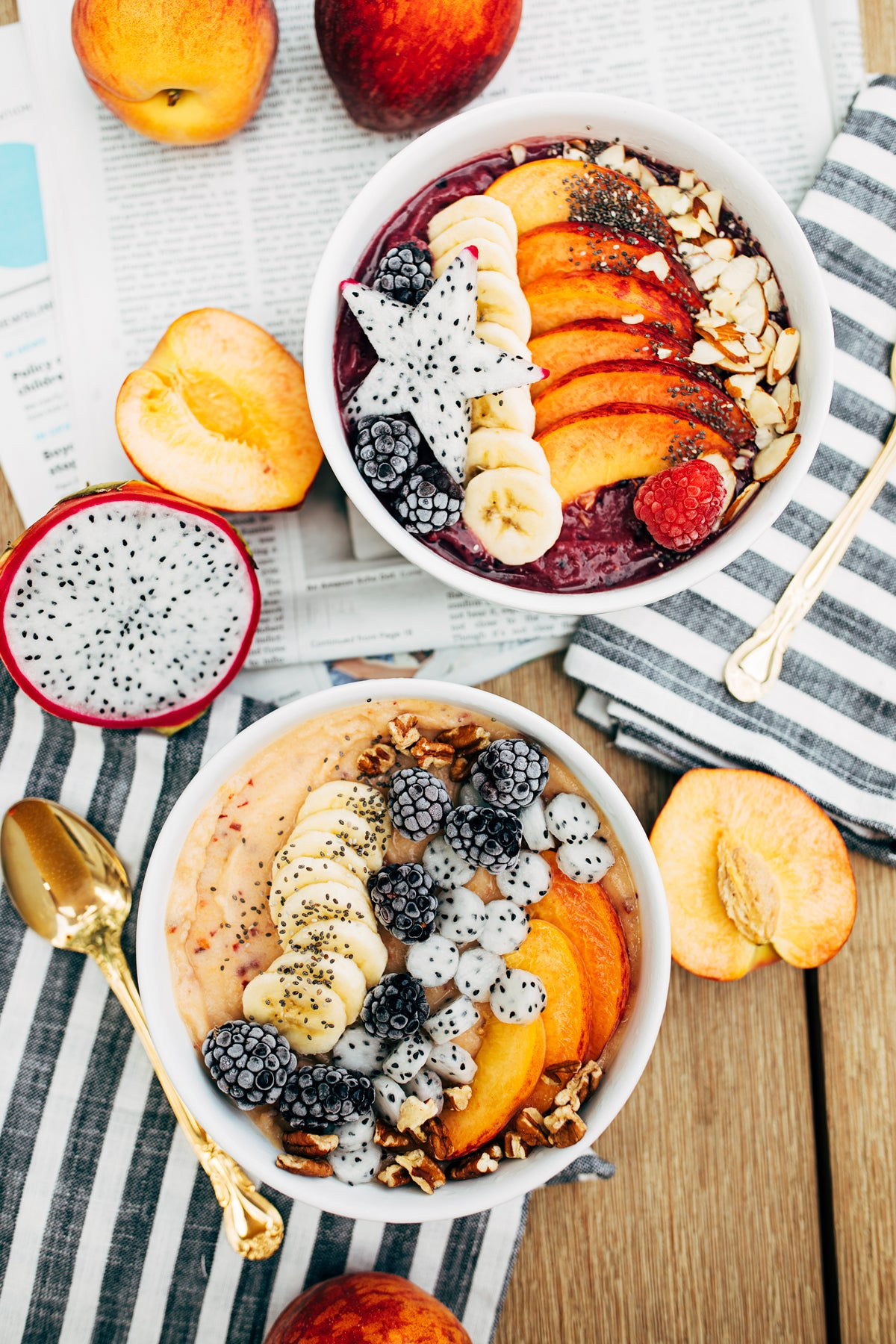 peach and blackberry smoothie bowls via walk in love.