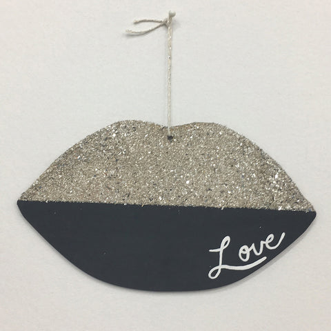 TGLG - LiP LOVE iN CHARCOAL