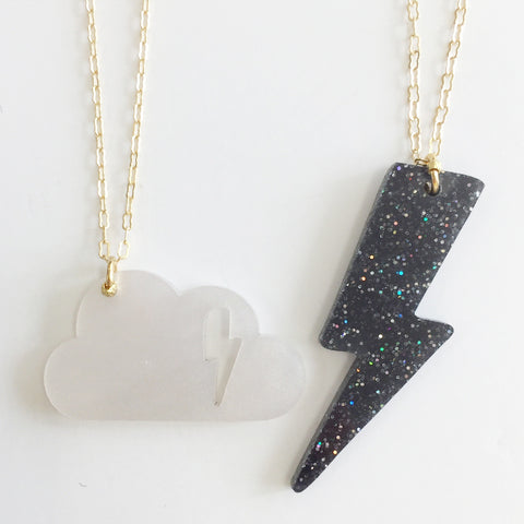 Cloudy Necklace (Set of 2) in Black/White