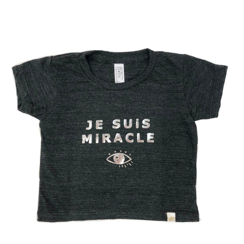 Tri Blend Tee - Je suis miracle in silver Foil