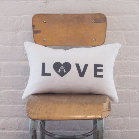 CUSHiON - LETTER - LOVE GRAY ON MiLKY WHiTE