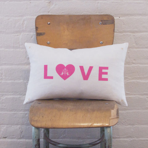 LETTER CUSHiON - LOVE PiNK ON MiLKY WHiTE