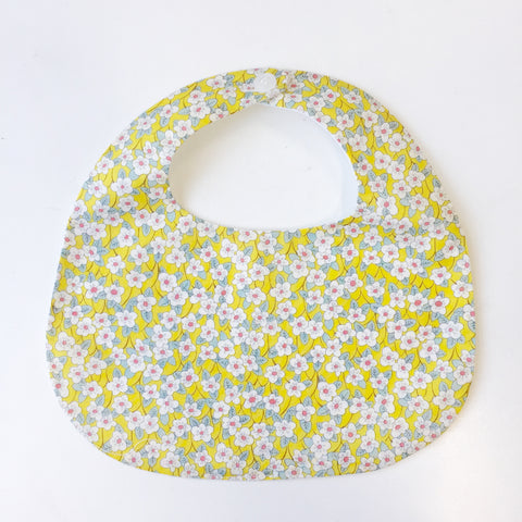 BiB - MAKiE - WiTH BUTTON-FLOWERS(YELLOW)