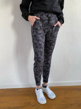 "Load image into Gallery viewer, Ready to Rulu Jogger 29"" *Jacquard"