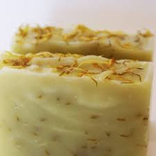 Load image into Gallery viewer, Geranium & Rose Shea Butter Soap Making Kit 1 & 2 Lbs.