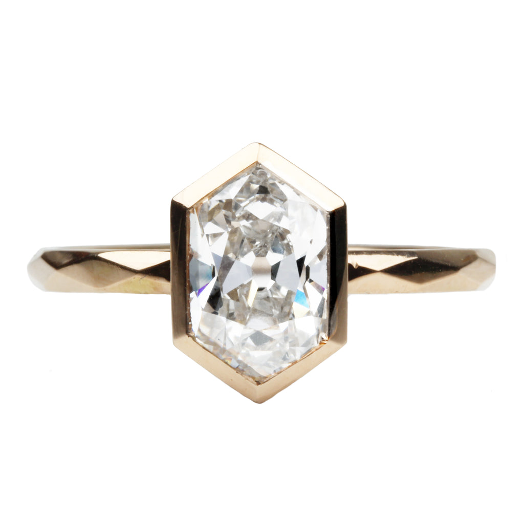 Hexagon Diamond Solitaire on Faceted Band