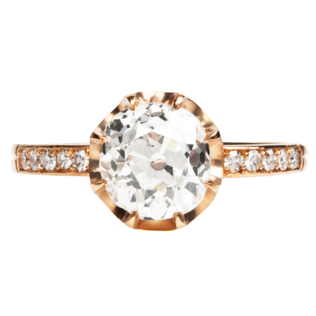 Scalloped Mount with Pave Diamond Band