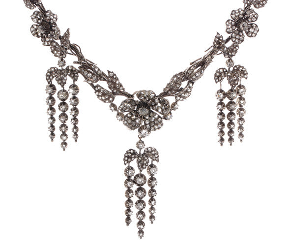 Victorian Garland en Pampille Diamond Necklace and Earrings