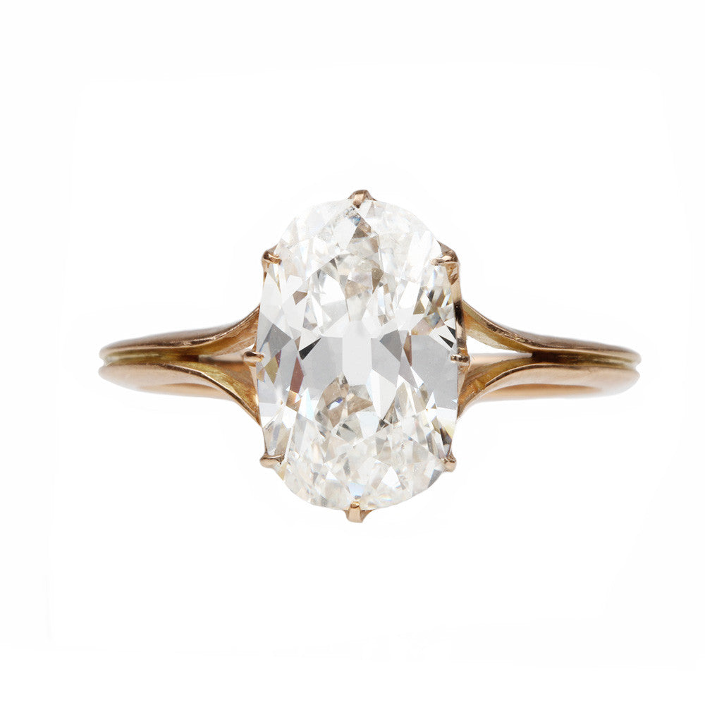 Split Shoulder Scalloped Prong Diamond Ring