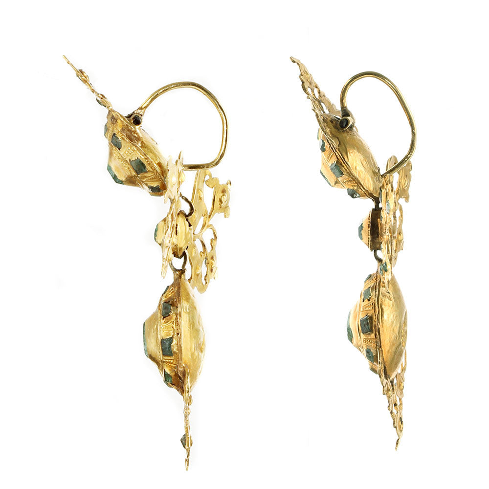 18th Century Iberian Gold Emerald Lazo Drop Earrings