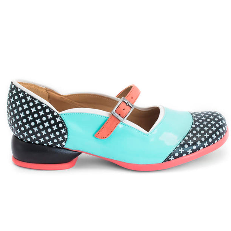 Women Retro Buckle Low Heel Shoes