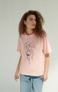 Pink T-shirt with sketch print