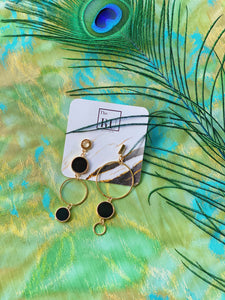 Asymmetric hoops earrings