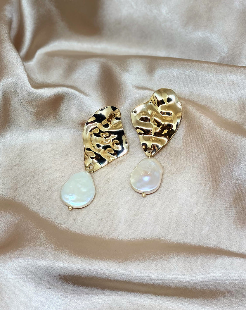 Crumpled brass pearl earrings