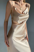 Load image into Gallery viewer, Satin dress